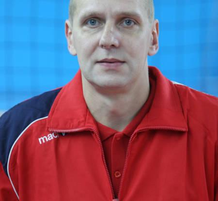 Цветков Дмитрий Юрьевич - старший тренер